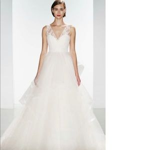 Lexi Lace & Tulle V-Neck Ballgown